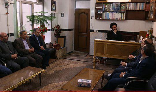 دیدار اعضای هیأت امنای ستاددیه ی استان با نماینده ولی فقیه در استان اردبیل